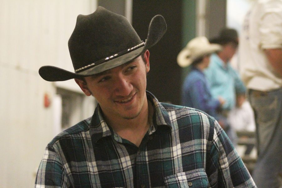 Sander+just+began+his+bull+riding+career.+He+was+injured+before+his+first+competition.